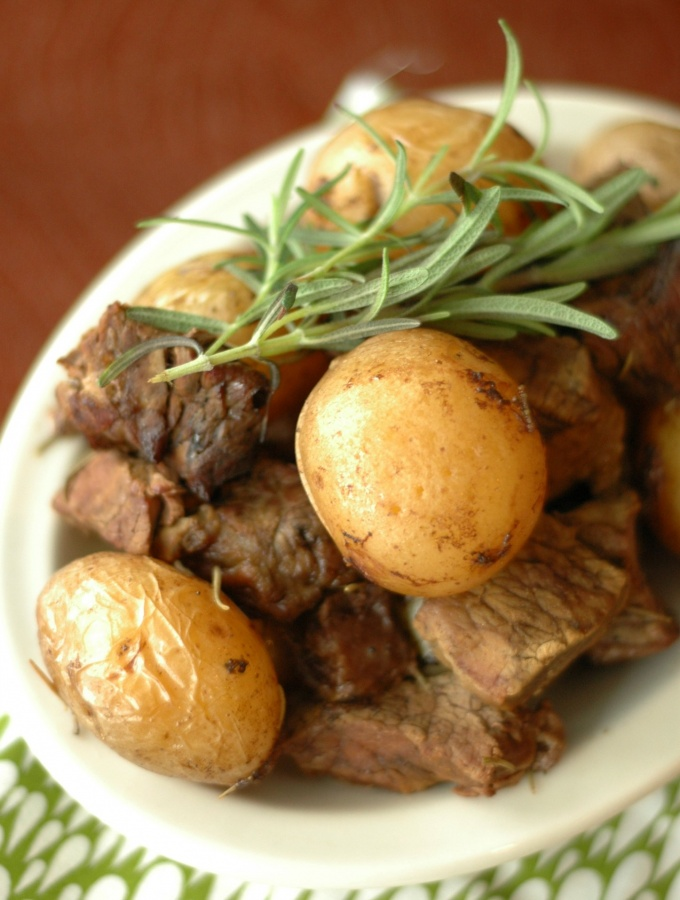 Slow Cooker Honey Rosemary Steak and Potatoes