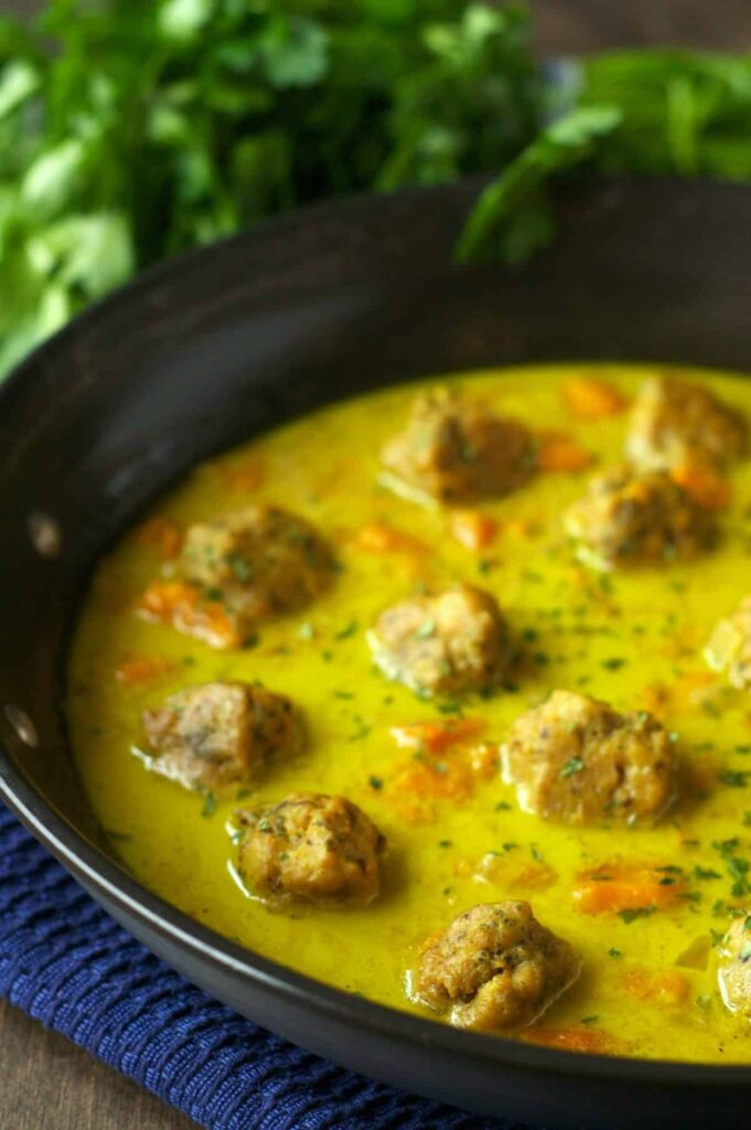 Slow Cooker Curry Chicken Meatballs