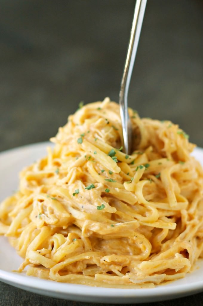 Slow Cooker Cheesy Buffalo Chicken Pasta