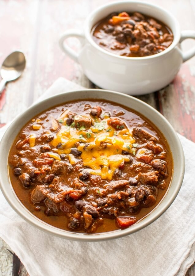 Slow Cooker Beefy Roasted Tomato Chili