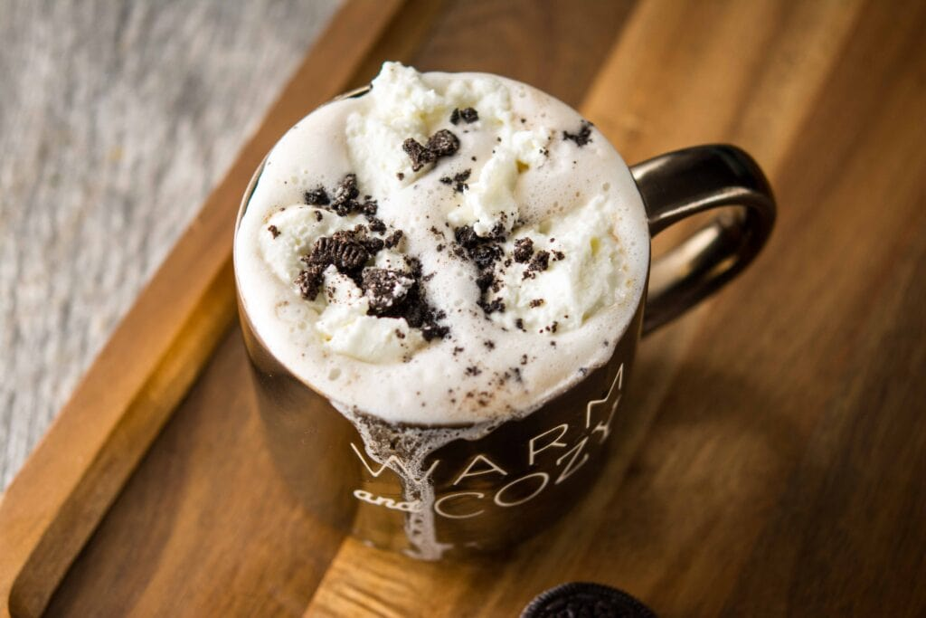 Slow Cooker Cookies and Cream Hot Chocolate